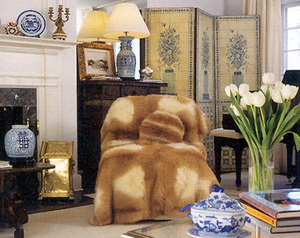 Darien Sweedish fur chair