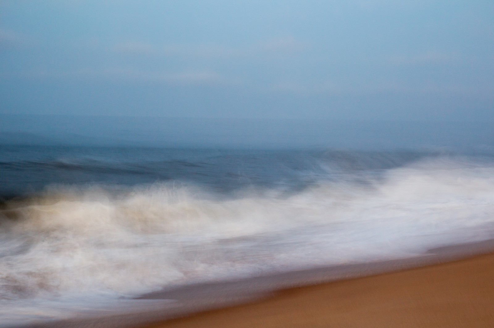 Morning Waves 25x30